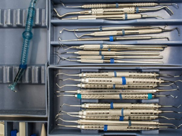 outils chirurgicaux
